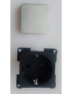 Schwarzer Stecker für 220V Steckdose mit silberner Abdeckung