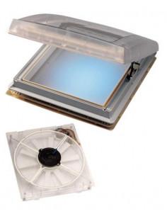 Claraboya transparente con extractor y aireacion Thule Omnistor