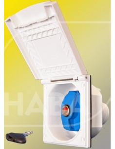 Caixa externa com entrada de água externa com tampa e torneira