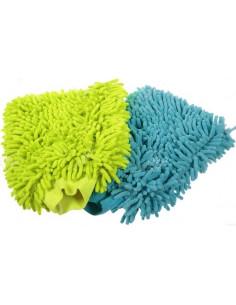 Luvas de microfibra limpam veículos