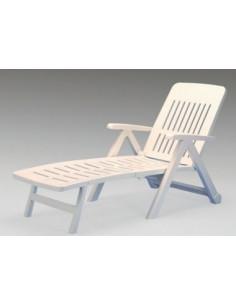 Poolliegestuhl mit klappbaren Harzrädern