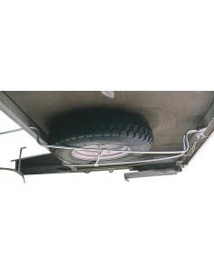 Soporte para rueda de recambio en chasis